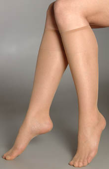 Hanes Silk Reflections Knee High - 2 Pair Pack 725