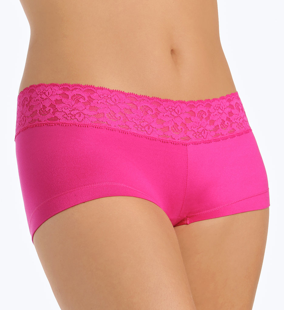 Cotton boy short panties are ideal for everyday wear because they're breathable and keep your nether regions cool and dry. This means that they're also hygienic. Cotton undergarments are soft and comfortable, so you can wear these panties throughout the entire day.