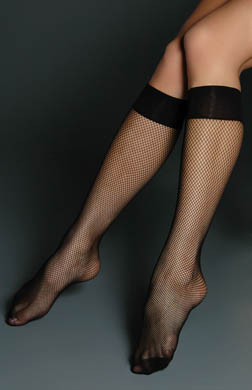 Hue Classic Fishnet Knee Highs